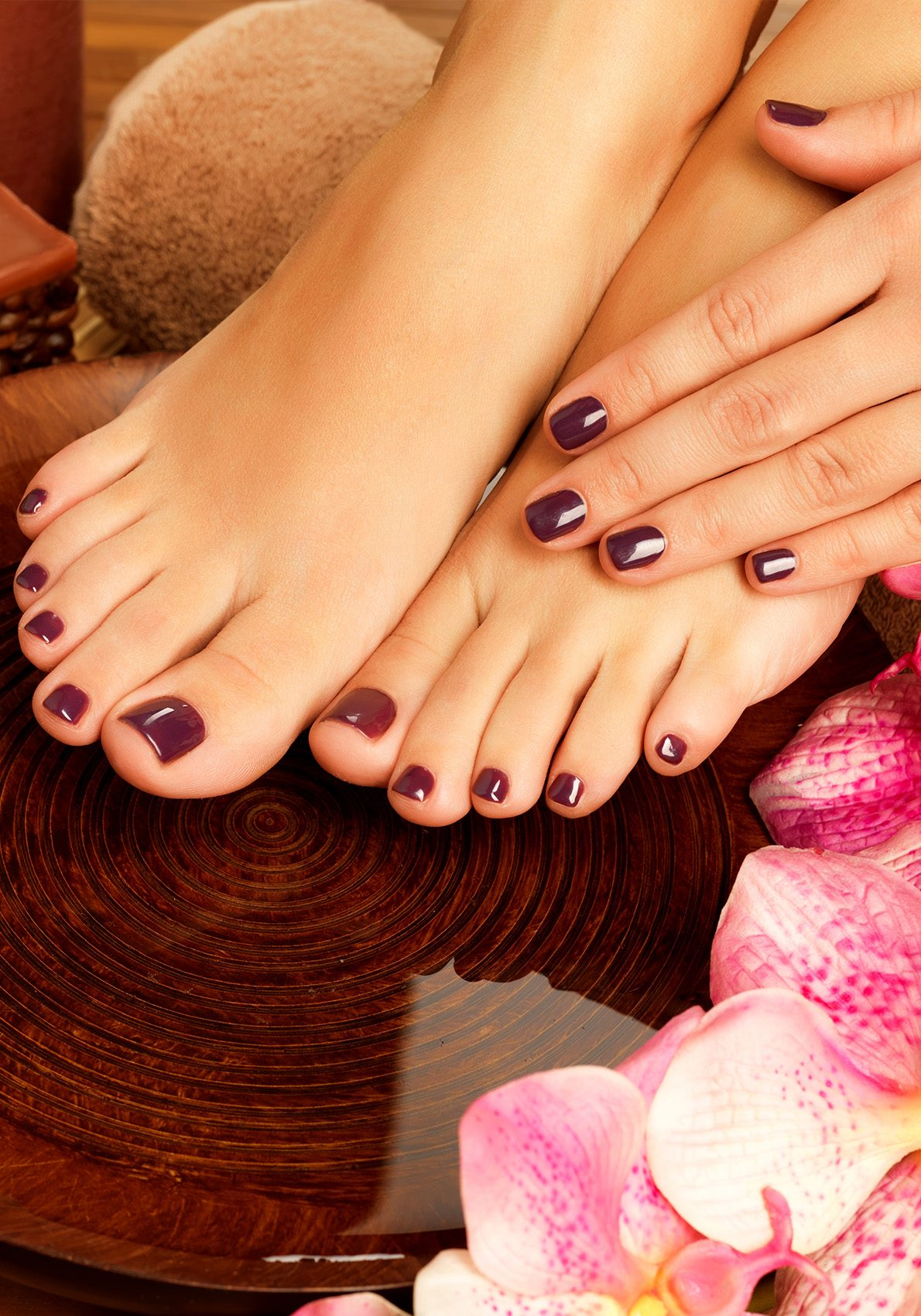 Insurance For Nail Salons | Painted finger and toe nails
