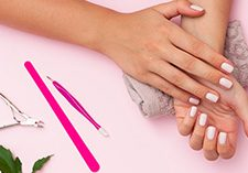 Insurance For Nail Salons | Hands with painted nails